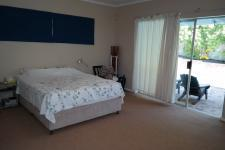 Main Bedroom - 25 square meters of property in West Beach