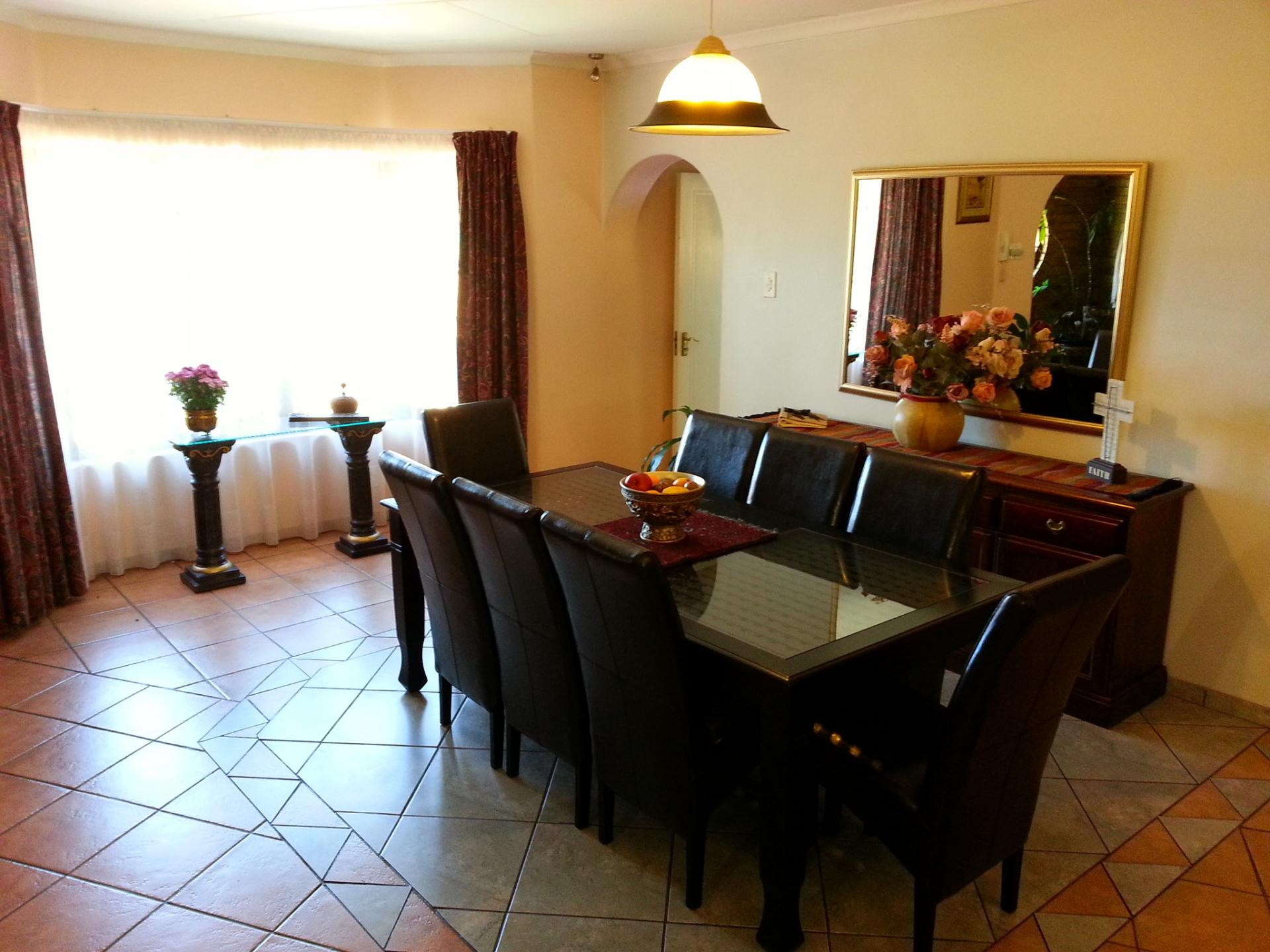 Dining Room of property in Terenure
