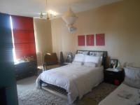 Main Bedroom - 30 square meters of property in Parktown