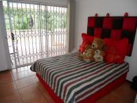 Bed Room 2 - 10 square meters of property in Queensburgh