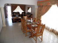 Dining Room - 13 square meters of property in Queensburgh