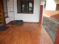 Spaces - 34 square meters of property in Shallcross