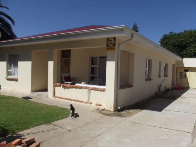 Standard Bank EasySell 3 Bedroom House For Sale in Eastern Ext - MR125055