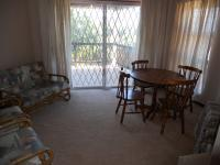 Lounges - 33 square meters of property in Hibberdene