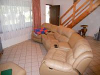 Lounges - 36 square meters of property in Uvongo