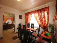 Dining Room of property in Claremont - JHB