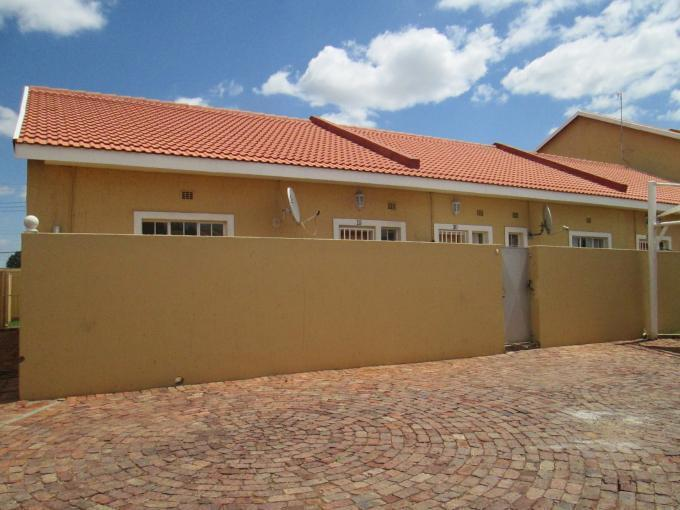 2 Bedroom Apartment For Sale in Meyerton - Home Sell - MR125258