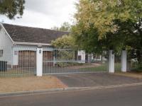 4 Bedroom 2 Bathroom in Durbanville