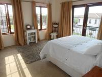 Main Bedroom - 16 square meters of property in Greenstone Hill