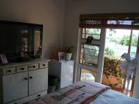 Main Bedroom - 11 square meters of property in Wapadrand
