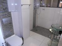 Bathroom 3+ - 18 square meters of property in Umhlanga