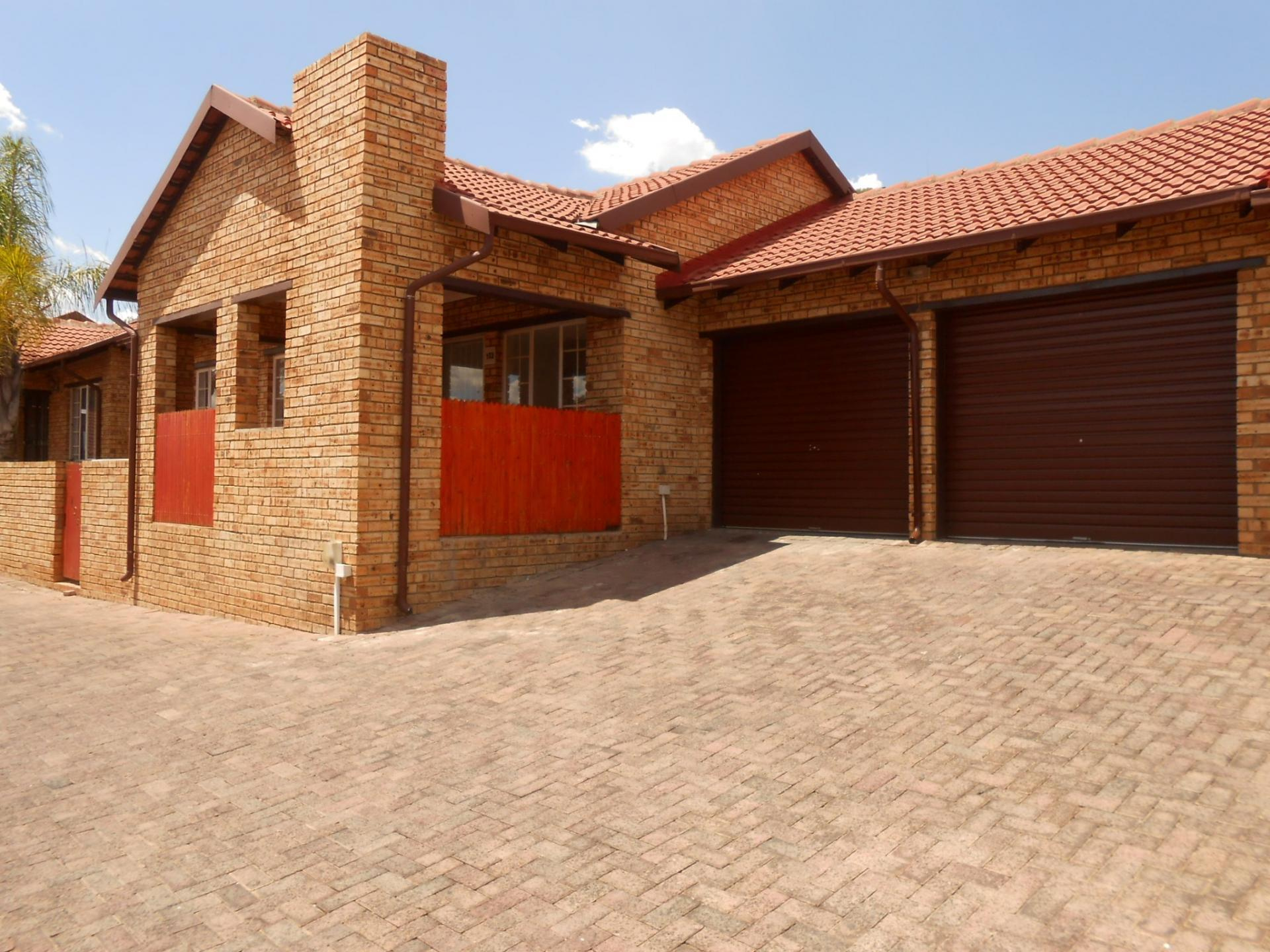 Front View of property in Safari Tuine