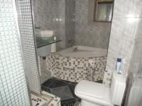Main Bathroom - 5 square meters of property in Berea - DBN