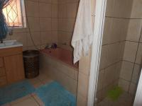 Main Bathroom - 21 square meters of property in Alberton