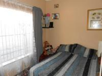 Bed Room 1 - 38 square meters of property in Alberton