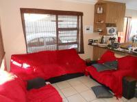 Lounges - 69 square meters of property in Alberton