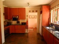 Kitchen - 23 square meters of property in Hartbeespoort