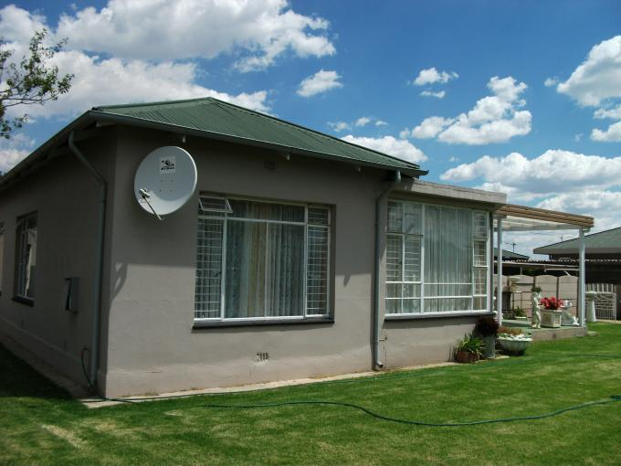 3 Bedroom House for Sale For Sale in Randfontein - Private Sale - MR125544