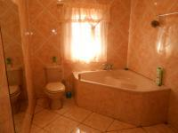 Bathroom 1 - 7 square meters of property in Middelburg - MP