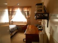 Bed Room 3 - 22 square meters of property in Akasia