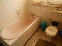 Bathroom 2 - 5 square meters of property in Akasia