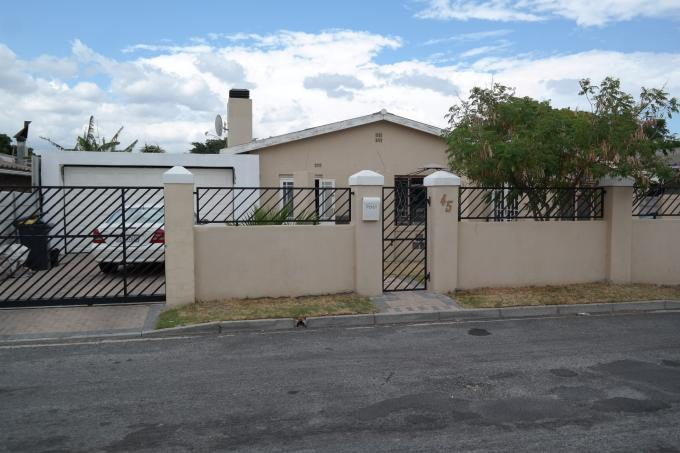 4 Bedroom House for Sale For Sale in Strand - Private Sale - MR125653