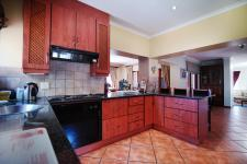 Kitchen - 25 square meters of property in Boardwalk Meander Estate