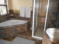 Bathroom 1 - 6 square meters of property in Selcourt