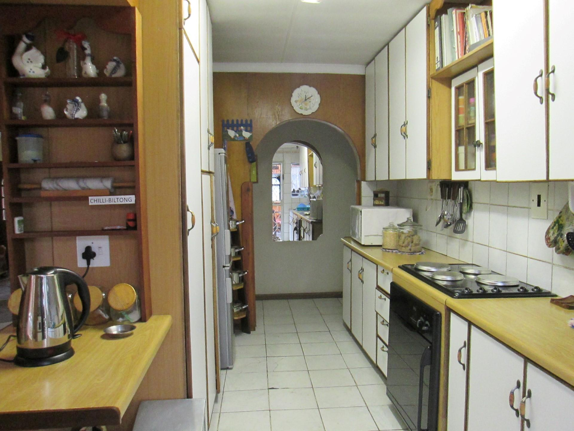 Kitchen - 11 square meters of property in Buyscelia AH