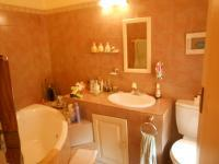 Bathroom 1 - 5 square meters of property in Murrayfield