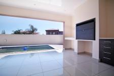 Patio - 57 square meters of property in Willow Acres Estate