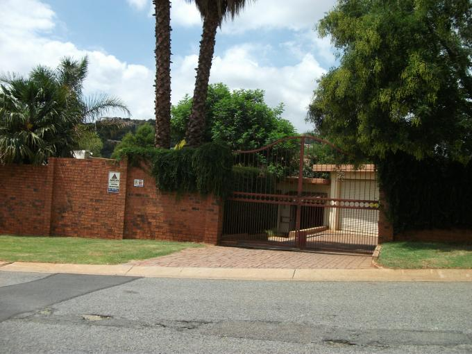 Standard Bank EasySell 3 Bedroom House for Sale For Sale in Helderkruin - MR125862