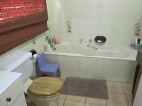 Main Bathroom - 13 square meters of property in Three Rivers