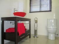 Bathroom 1 - 7 square meters of property in Three Rivers