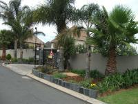 4 Bedroom 2 Bathroom in Radiokop