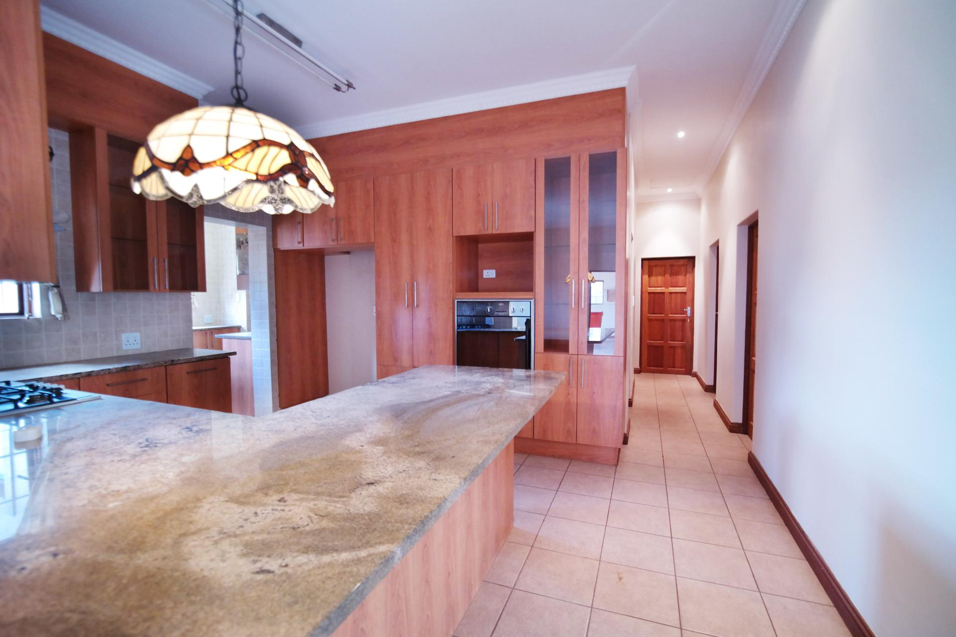 Kitchen - 20 square meters of property in The Meadows Estate