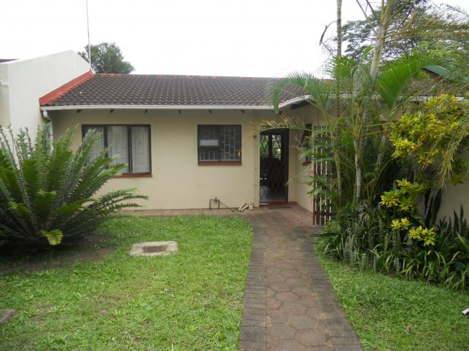 2 Bedroom Simplex for Sale For Sale in Pinetown  - Private Sale - MR125921