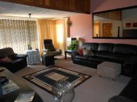 Lounges - 34 square meters of property in Brakpan