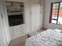 Bed Room 2 - 14 square meters of property in Port Shepstone