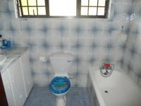 Main Bathroom - 4 square meters of property in Port Shepstone