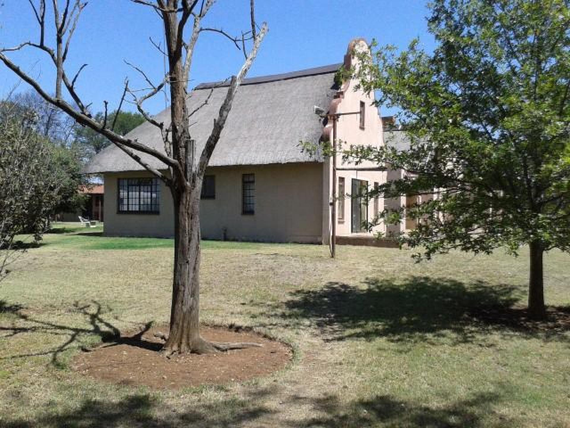 Front View of property in Parys