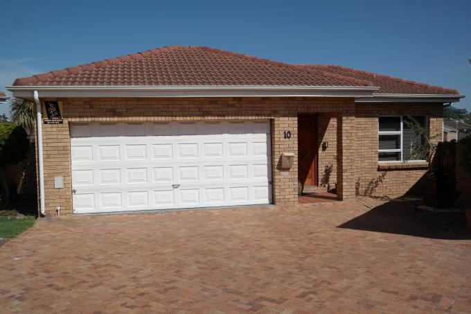 3 Bedroom House for Sale For Sale in Durbanville   - Private Sale - MR126064