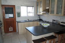 Kitchen - 15 square meters of property in Durbanville