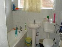 Main Bathroom - 5 square meters of property in Windsor