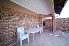 Patio - 12 square meters of property in The Wilds Estate