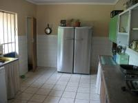 Kitchen - 17 square meters of property in Krugersdorp