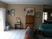 Lounges - 22 square meters of property in Krugersdorp