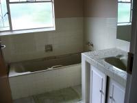 Main Bathroom - 10 square meters of property in Krugersdorp