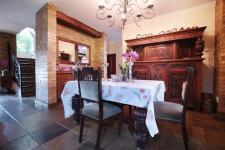 Dining Room - 27 square meters of property in Woodhill Golf Estate