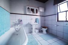 Bathroom 3+ of property in Woodhill Golf Estate
